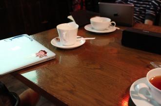 ゆっくりお茶を飲みながら、「こすぎ朝学」