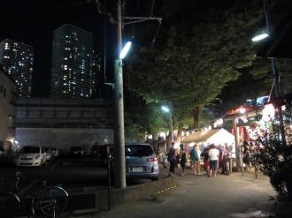 市ノ坪神社と武蔵小杉の高層マンション
