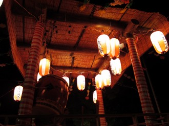 今井神社の盆踊りのやぐら