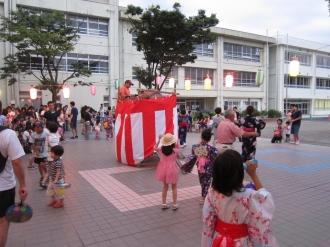 盆踊り大会の会場