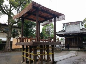 盆踊りの準備が進む今井神社