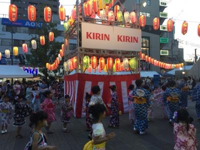 たくさんの子どもたちも参加、盆踊り大会