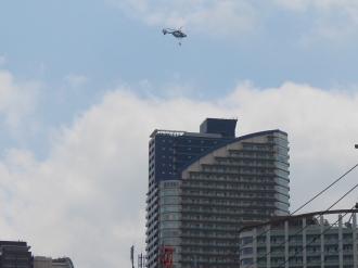 消防ヘリのホバリング高度