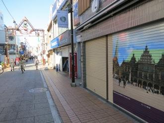 店舗オープン前のブレーメン通り商店街とシャッターアート