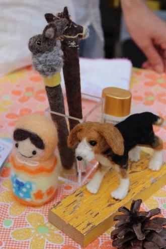 羊毛フエルトで作った人形