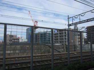 横須賀線武蔵小杉駅から見たブリリア武蔵小杉