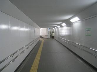 人道地下通路のトンネル