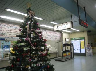 JR武蔵小杉駅のクリスマスツリー