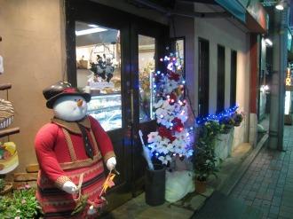 西洋菓子フェリシアのスノーマンとクリスマスツリー