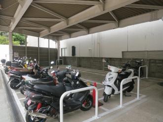 駐車場の内部