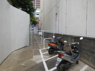 駐車場の東側出入口