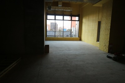 工事中の店舗区画