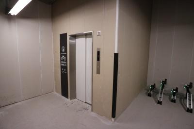 駐輪場用エレベーター