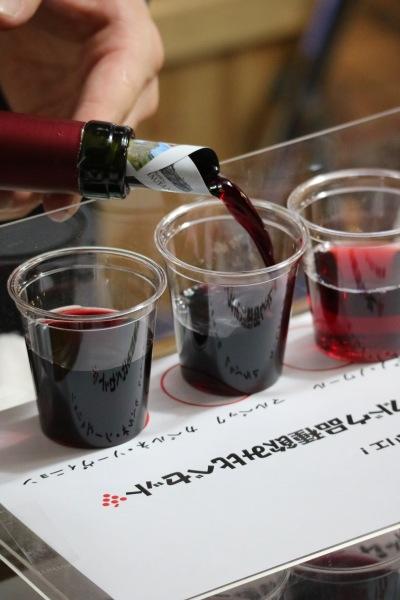 ヴィノスやまざきのワイン飲み比べ