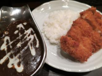 「B&R」のチキンカツカレー(税込980円)※武蔵小山店