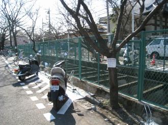 東側の駐輪スペース