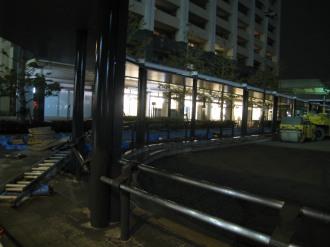 ロータリーから見たデリド武蔵小杉店の灯り