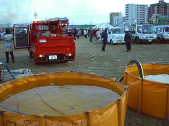 消防車と貯水