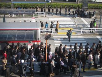 JR武蔵小杉駅北口バスロータリーの行列