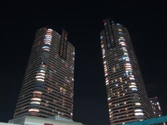 最上部LEDを消灯したパークシティ武蔵小杉