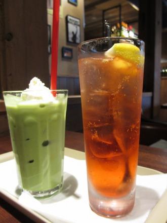 抹茶ラテとカンパリソーダ
