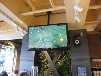 武蔵中原店で流れていた、Jリーグの映像