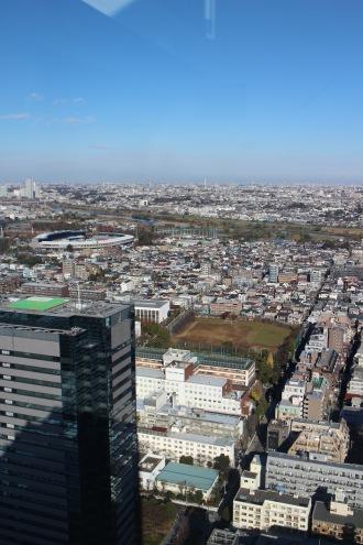 日本医科大学武蔵小杉病院と、新丸子キャンパス
