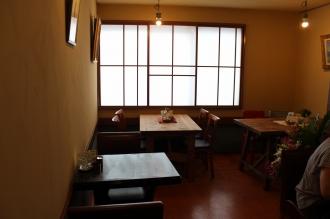 「フェリシア」カフェの座席