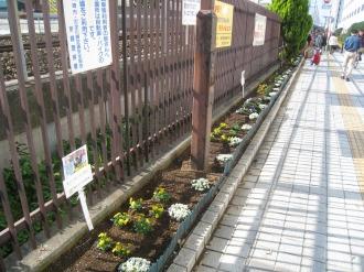 JR武蔵小杉駅北口の南武線沿い