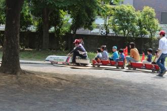 燃料電池機関車