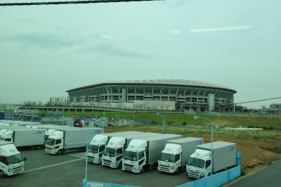 横浜線から見える日産スタジアム