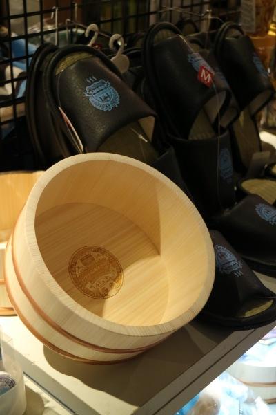 公式カフェ限定グッズ「フロ桶」