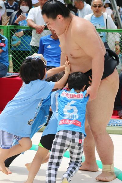 イッツアスモウワールドの相撲対決
