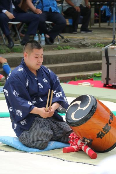 相撲太鼓の打ち分け実演