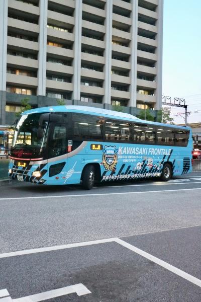 武蔵小杉駅横須賀線口に到着