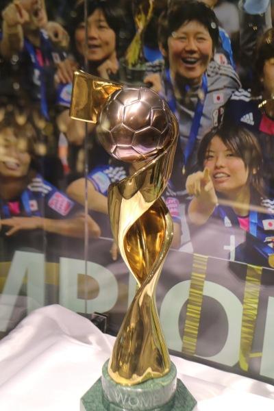 なでしこジャパンの女子W杯トロフィー