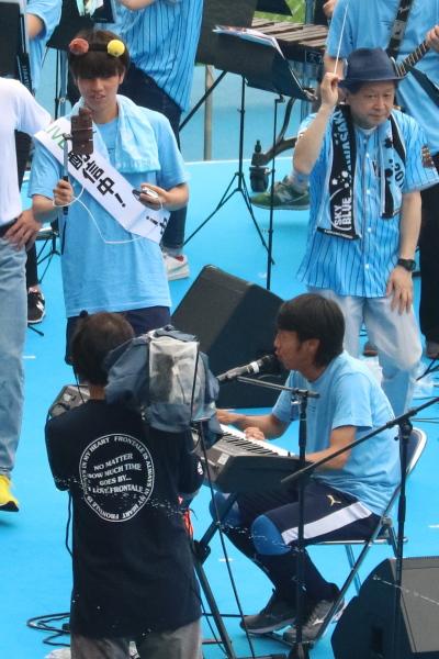 中村憲剛選手のピアノ