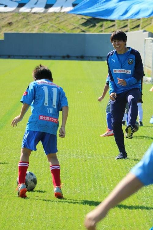 「止める・蹴る」の練習