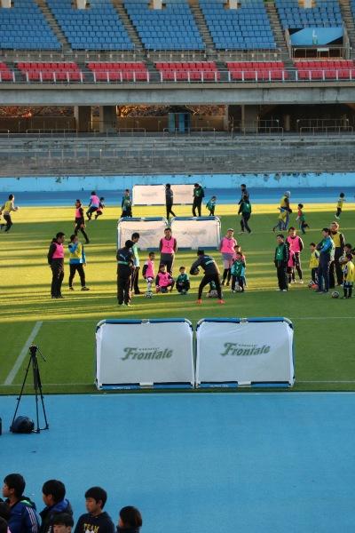 同時開催された、小学生向けのサッカー教室