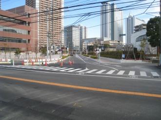 府中街道と武蔵小杉駅南口線のT字路