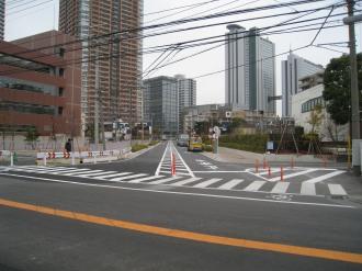 府中街道と都市計画道路武蔵小杉駅南口線のT字路