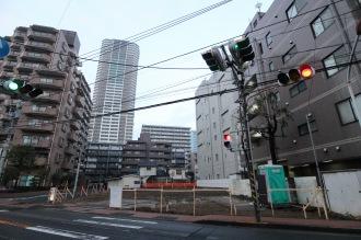 府中街道沿いの小田切病院