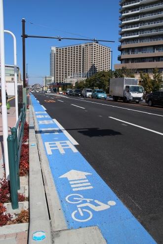 (参考)綱島街道の自転車専用レーン