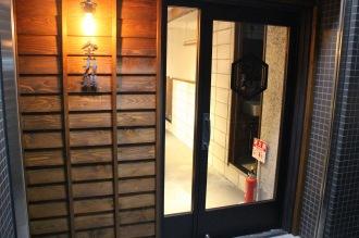 6階の「全力鶏」入口