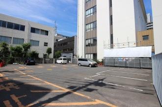 セブンイレブン入口そばの駐車場