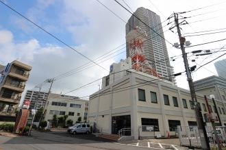 NTT東日本川崎北ビルの「セブンイレブン川崎中原区役所前店」