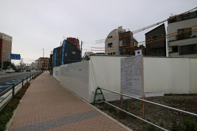 市ノ坪交差点付近で、一部スタートした拡幅後の住宅建設
