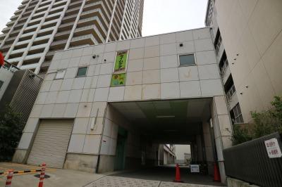 従来の暫定施設があった中原区役所敷地内の建物