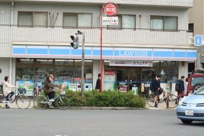 小杉御殿町交差点の「ローソン武蔵小杉店」