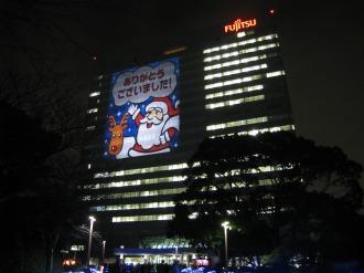 クリスマスウィンドウアート(本館南側壁面)